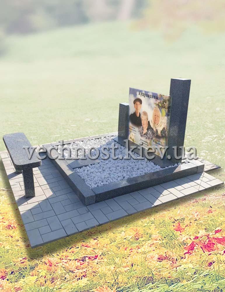 Памятник для троих с фото в стекле